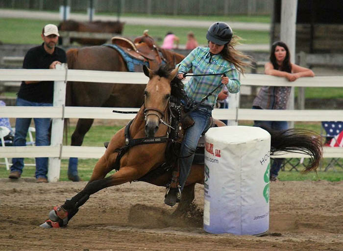 Caitlin Barnett, Barrel Racing