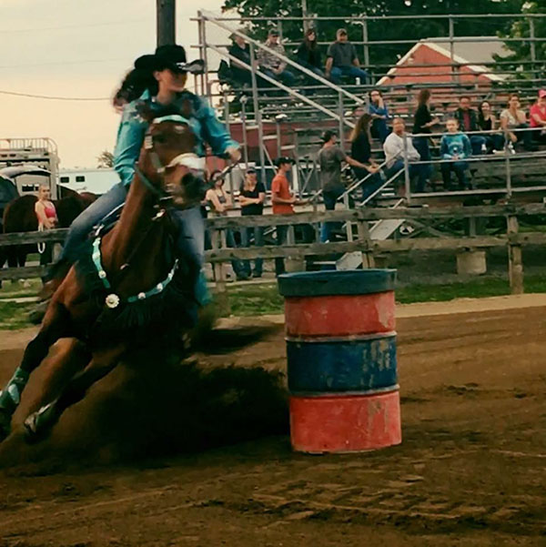 Nikki Hostetler, Barrel Racing