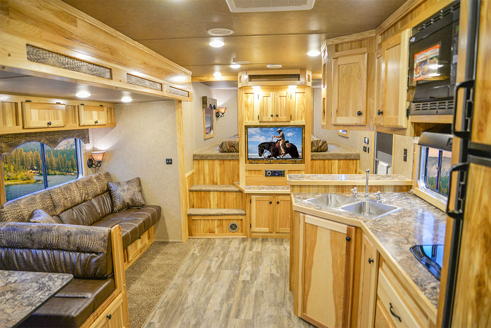 Center Entertainment Area in a C8X18CE - Charger Edition Trailer | Lakota Trailers