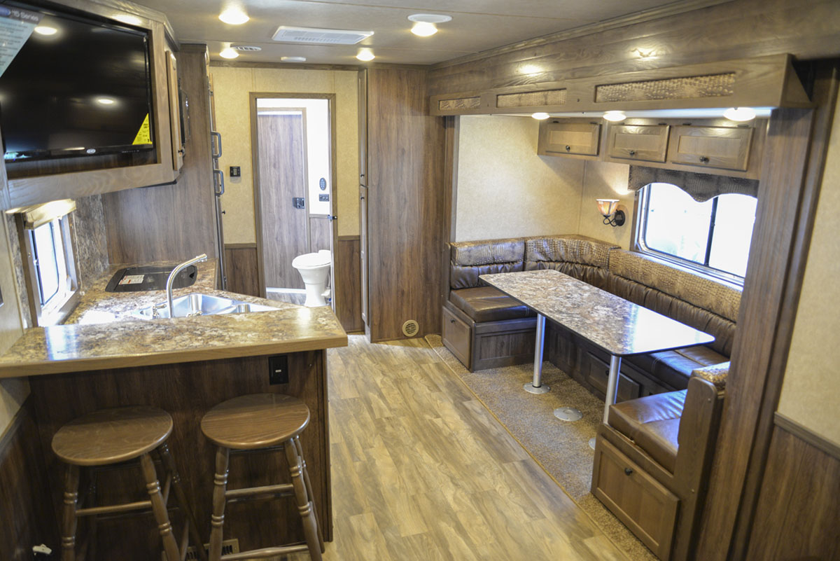 Living space in Charger C8X17SRB 9'U | Lakota Trailers