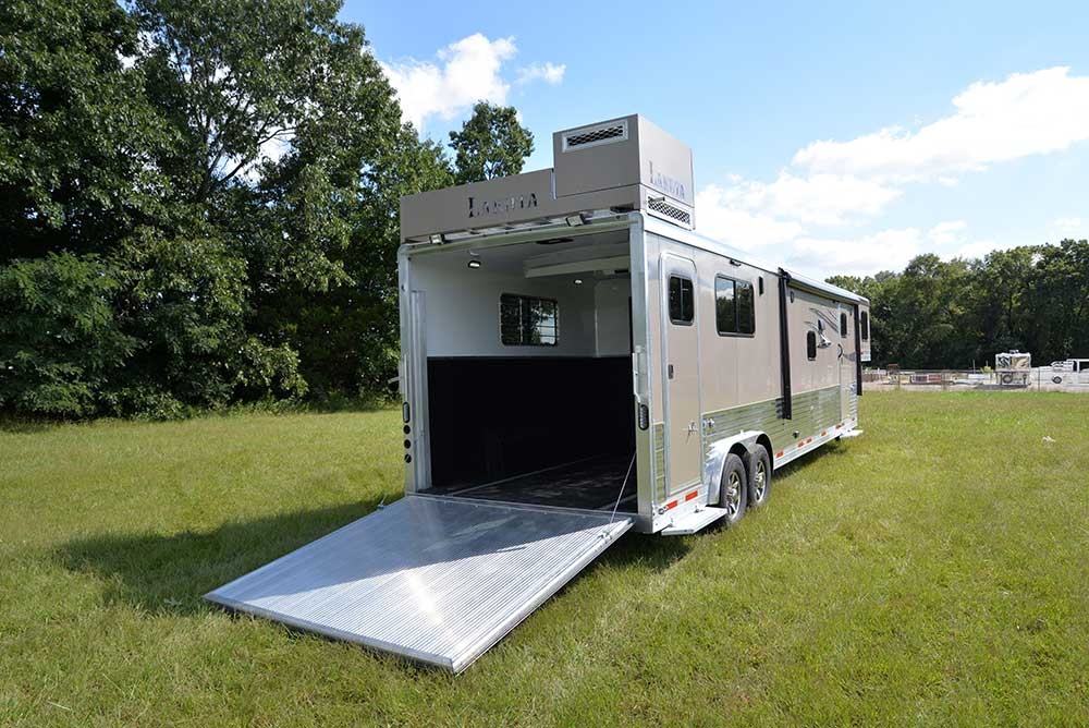 Toy hauler Charger CTH81215SRB | Lakota Trailers