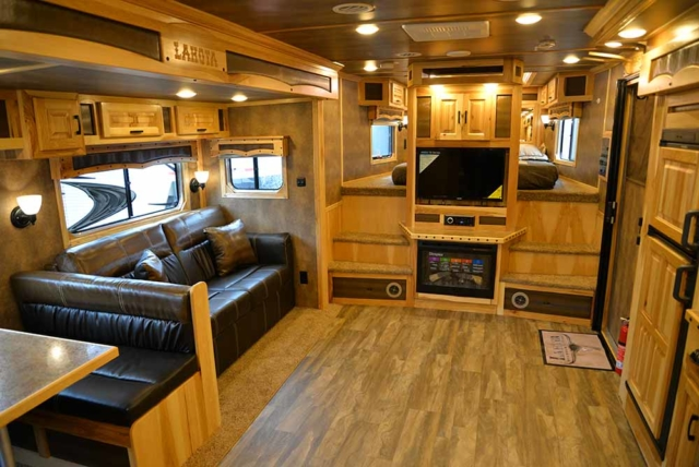 Center entertainment and sofa in BH8X19T2S Bighorn | Lakota Trailers