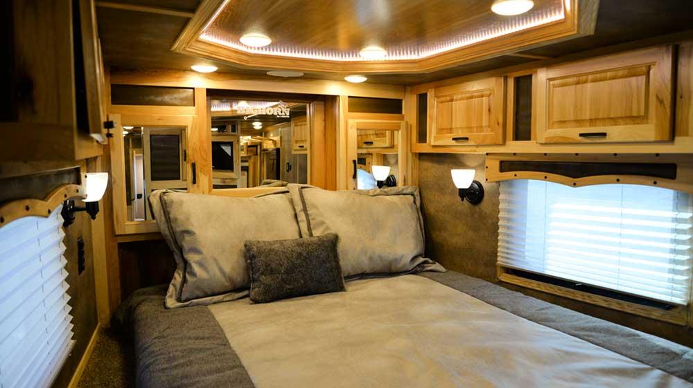 Bedroom in 2019.5 Bighorn BH8X192S| Lakota Trailers