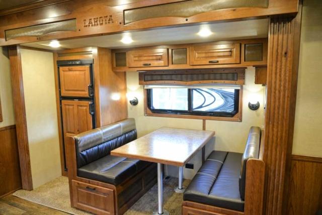 Dinette in 2019.5 BLE8X16SR   Lakota Trailers
