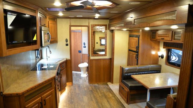 Living area in 2019.5 BH8X16SR | Lakota Trailers