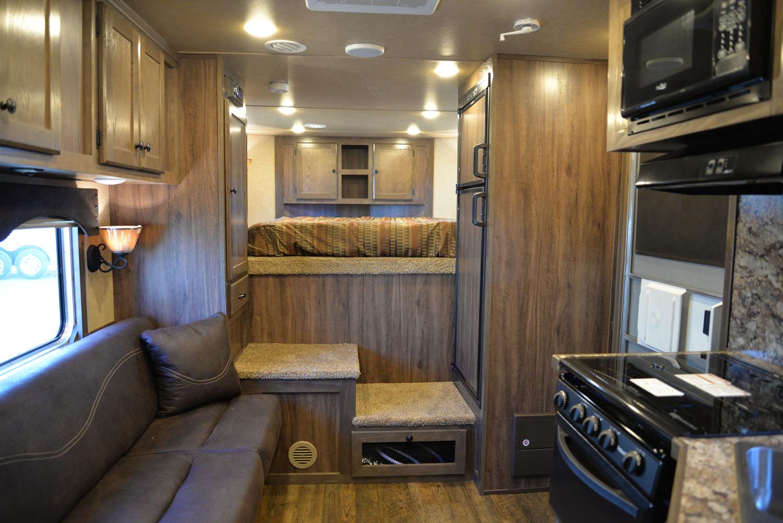 Living space in LE8X11SR Livestock | Lakota Trailers