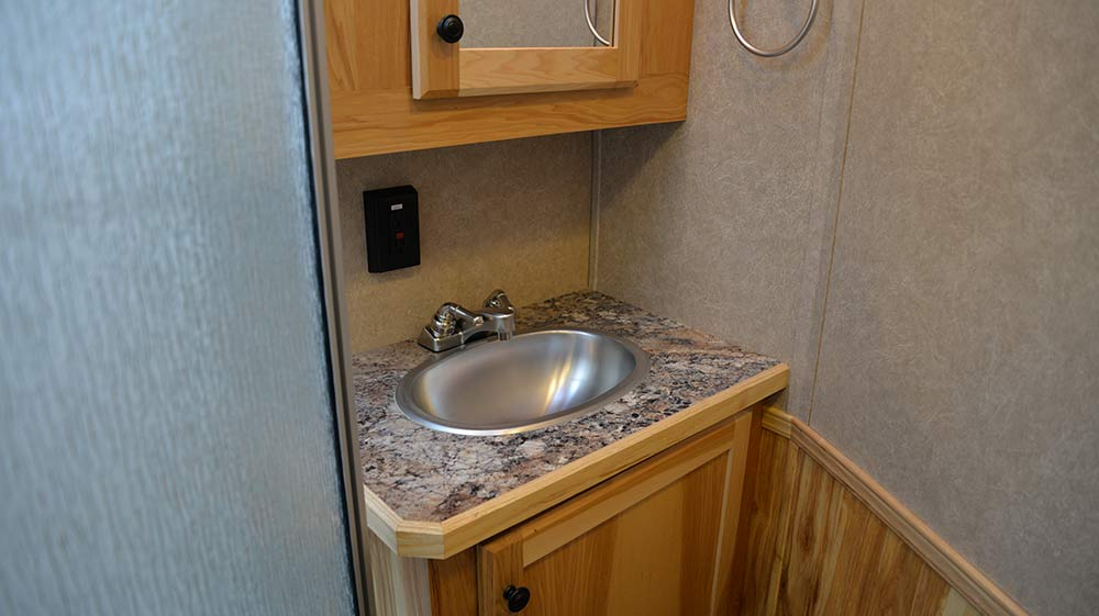 Bathroom in Charger C8X15BB Horse Trailer | Lakota Trailers