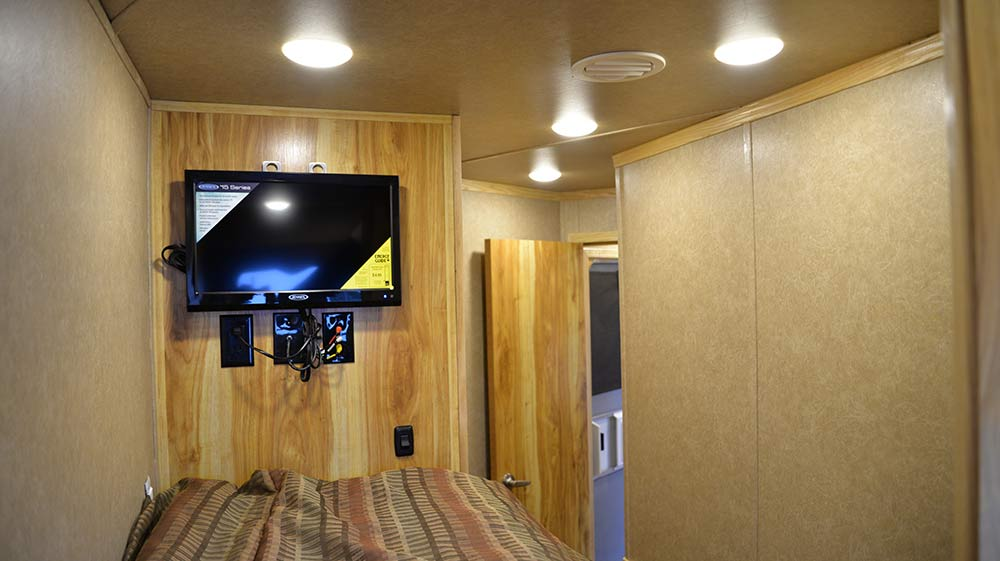 TV in Bunk Bed Unit Charger C8X15BB Horse Trailer | Lakota Trailers