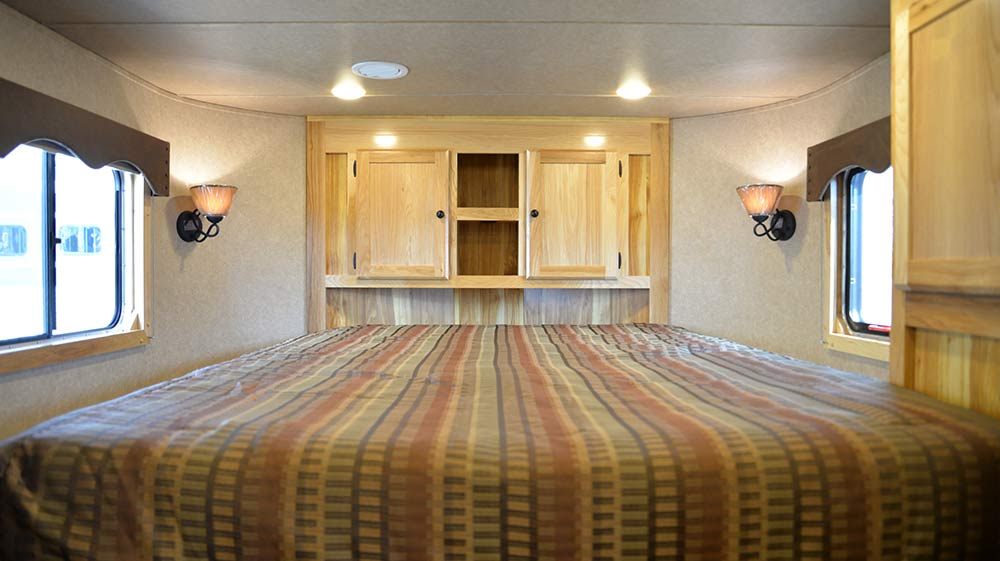 Bedroom in Charger C8X15BB Horse Trailer | Lakota Trailers