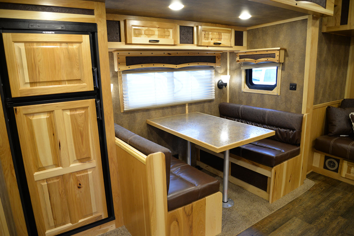 Dinette in BH8X16SR Horse Trailer with Bar   Lakota Trailers