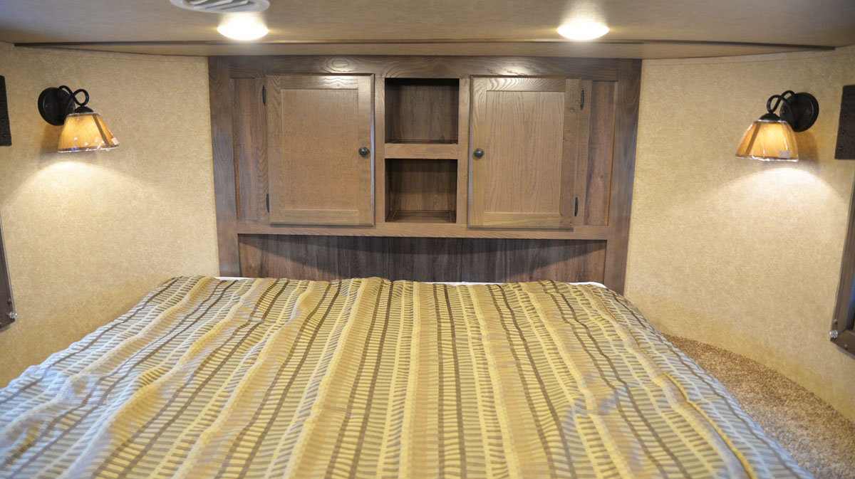 Bedroom in Charger C8X15BB | Lakota Trailers