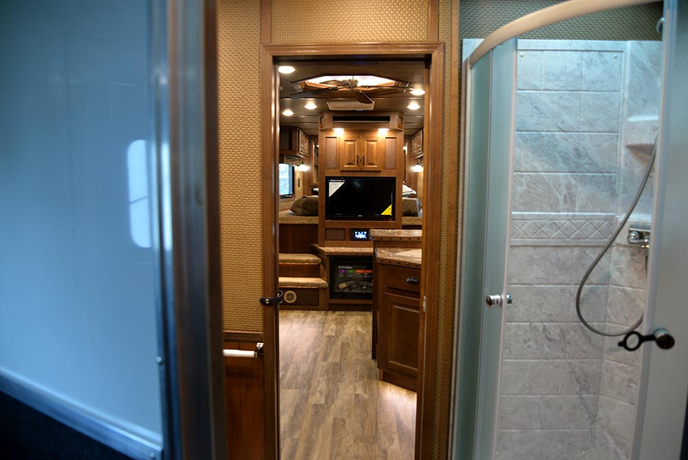 Living Quarters in BH8X14CE | Lakota Trailers
