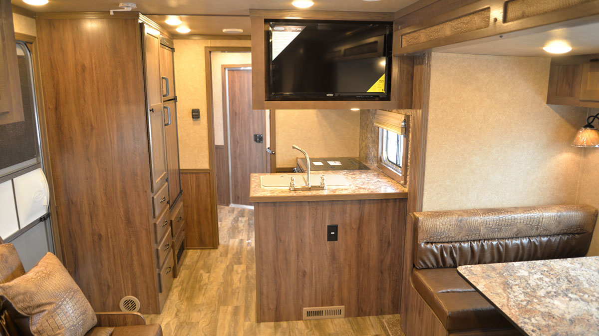Living area in Charger C8X15RK   Lakota Trailers