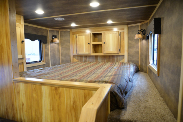 Bedroom in Charger LE8X15 Livestock Trailer   Lakota Trailers