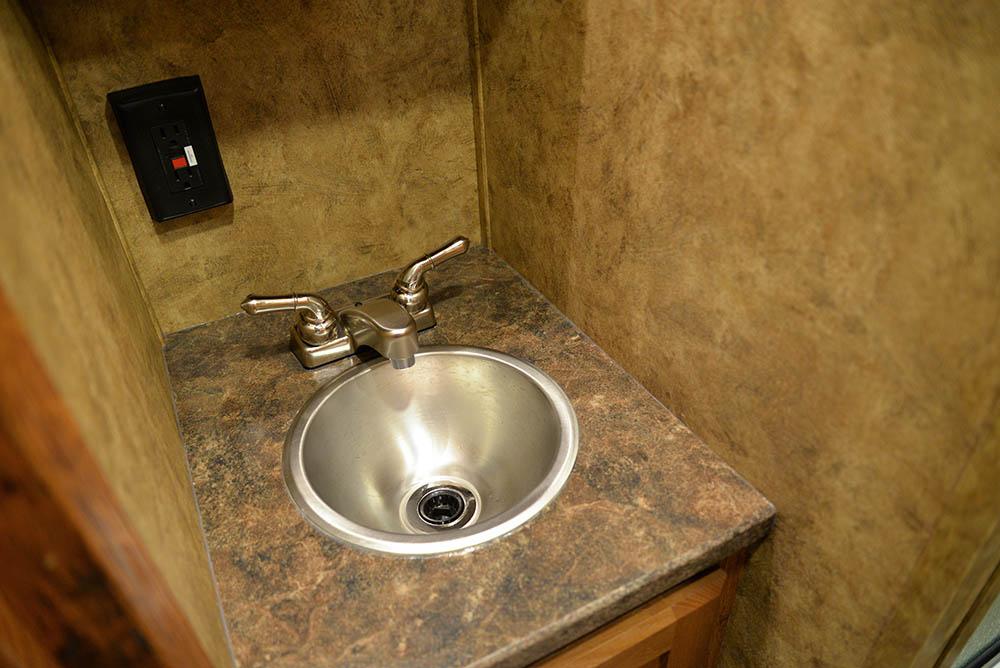 Bathroom sink in a Colt ACX7 | Lakota Trailers
