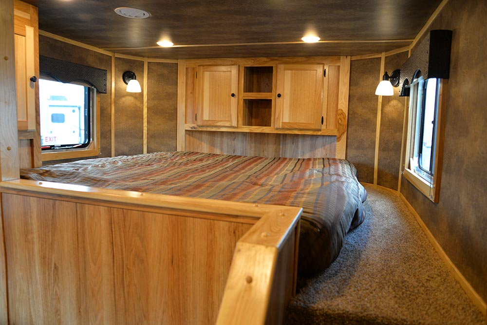Bed in Gooseneck in C8X13SRB Charger Edition Horse Trailer | Lakota Trailers