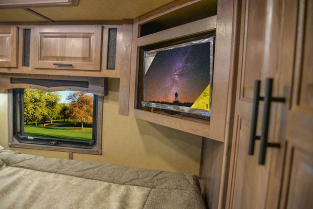 TV in Gooseneck in BH8X18MB Bighorn Edition Horse Trailer   Lakota Trailers