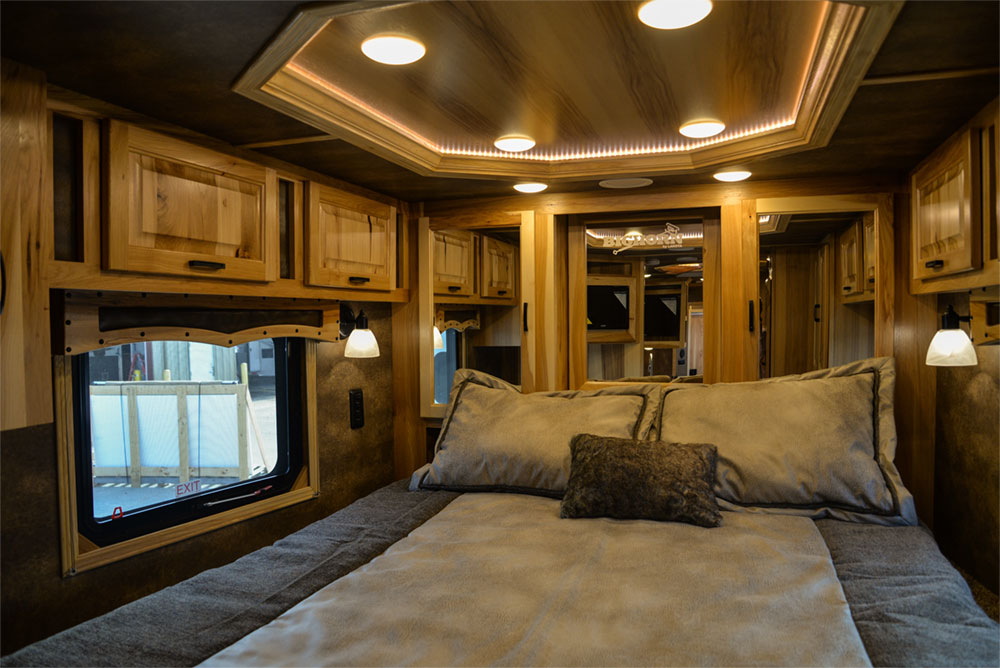 Bedroom in a Bighorn BH8X15TDSRK Horse Trailer | Lakota Trailers