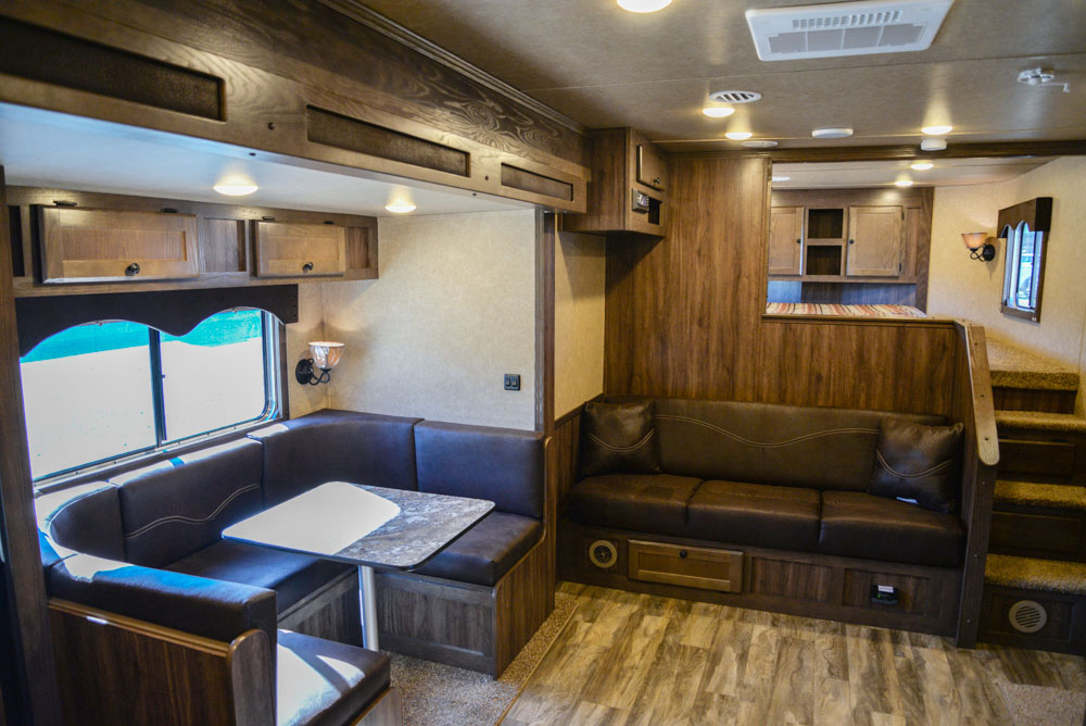Dining Area in Charger C8X15SOR9S Horse Trailer   Lakota Trailers