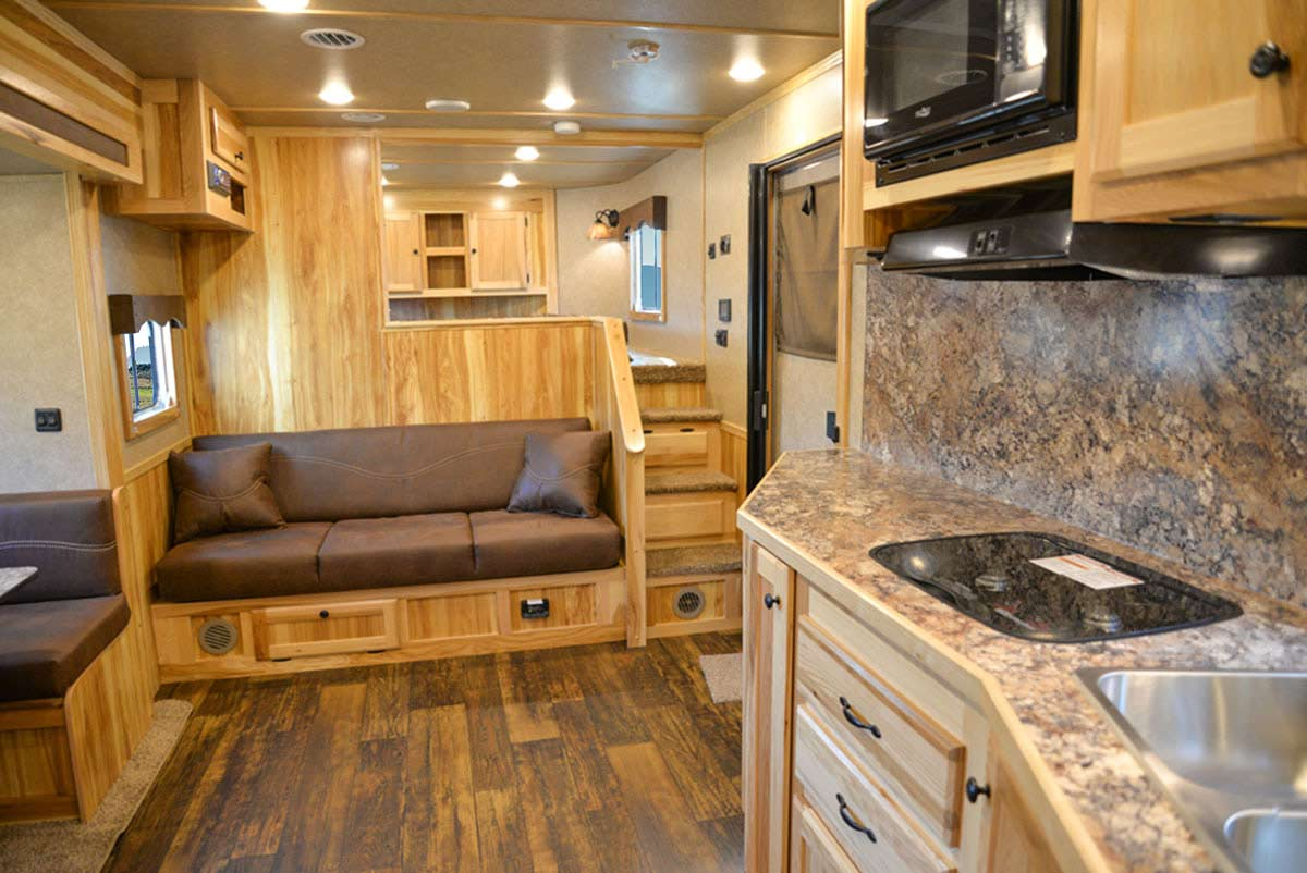 Living Quarters in LE8X15 Charger Edition Livestock Trailer   Lakota Trailers