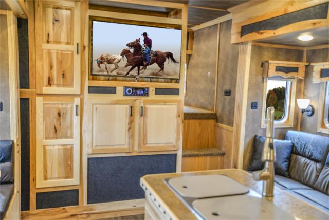 BH8X192SI Bighorn Horse Trailer
