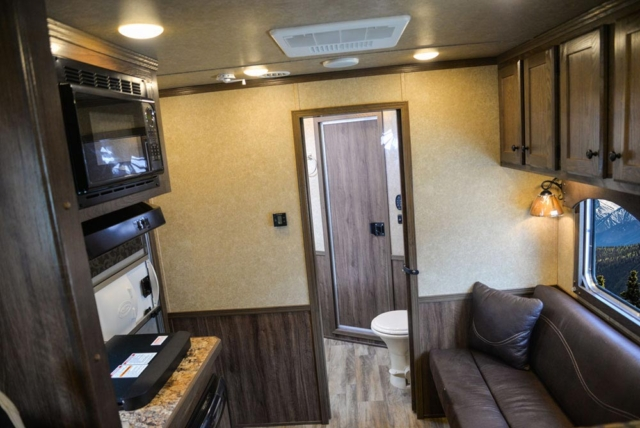 Living Quarters in C8X7 Charger Edition Horse Trailer   Lakota Trailers