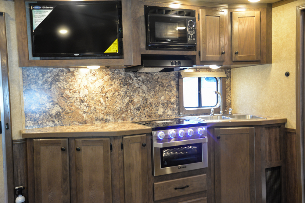 KItchen in a Charger C8X15SRB Horse Trailer   Lakota Trailers