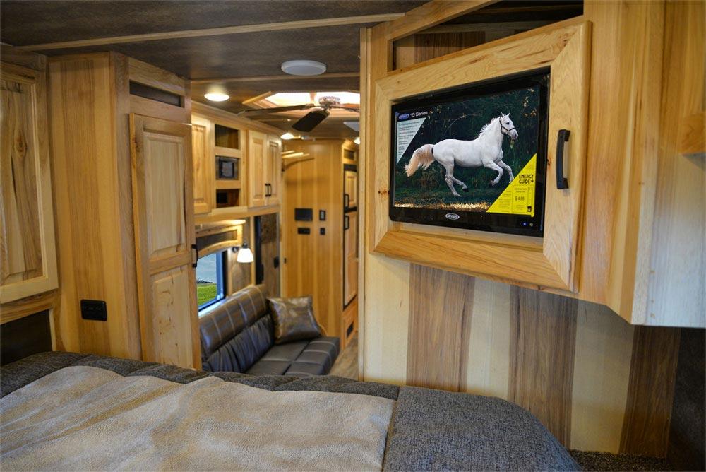 TV in Gooseneck in a BH8X15TDSRK Bighorn Edition Horse Trailer   Lakota Trailers