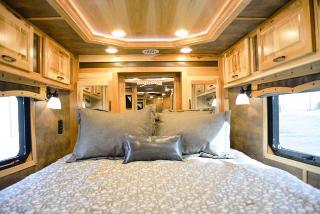 Bedroom in BH8X15DSRK Bighorn | Lakota Trailers