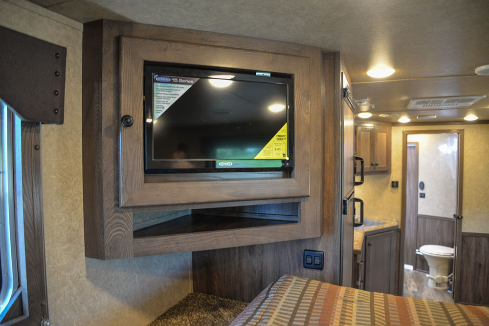 Entertainment System  in a LE8X11 Livestock Charger Edition | Lakota Trailers