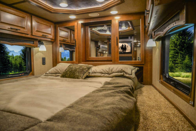 Bed in Gooseneck in BH8X18CE Bighorn Edition Horse Trailer | Lakota Trailers