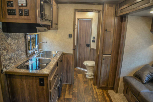 Living Quarters in CX11 Charger Edition Horse Trailers   Lakota Trailers