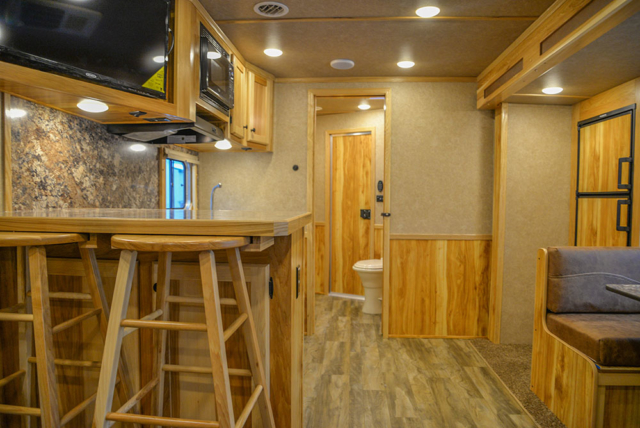 Living Quarters in C8X15SRB9S Horse Trailer | Lakota Trailers