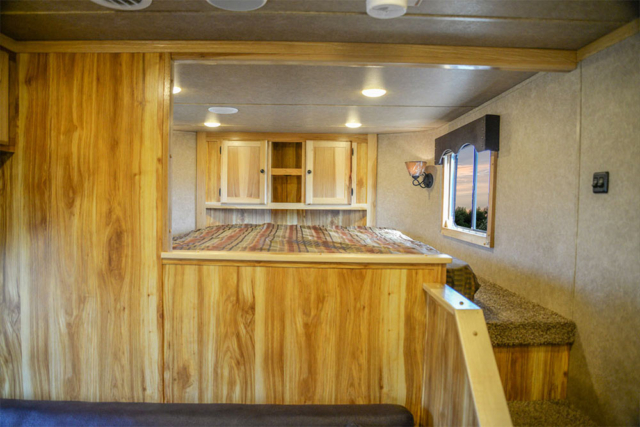 Bed in Gooseneck in LE8X11SR Charger Edition Livestock Trailer   Lakota Trailers