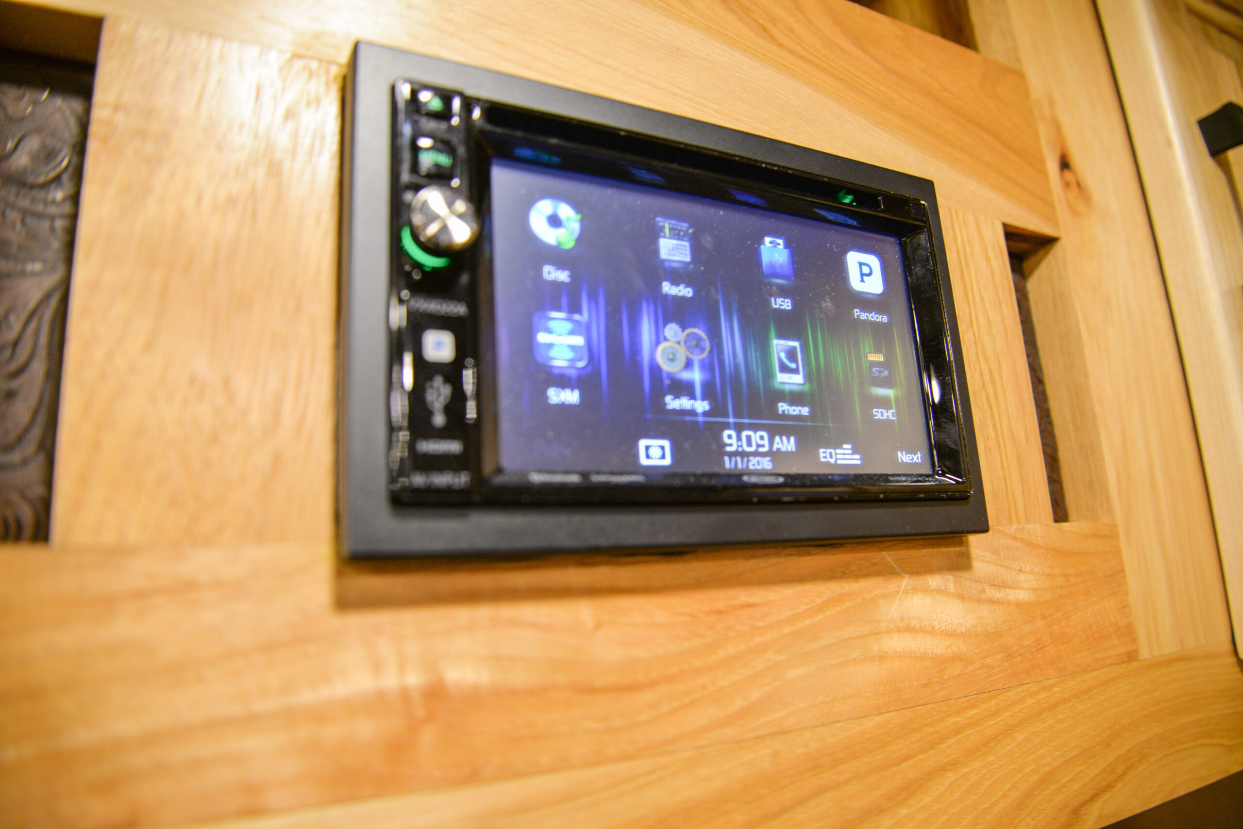 Touch Screen Stereo in BH8X17BSB Bighorn Edition Horse Trailer   Lakota Trailers