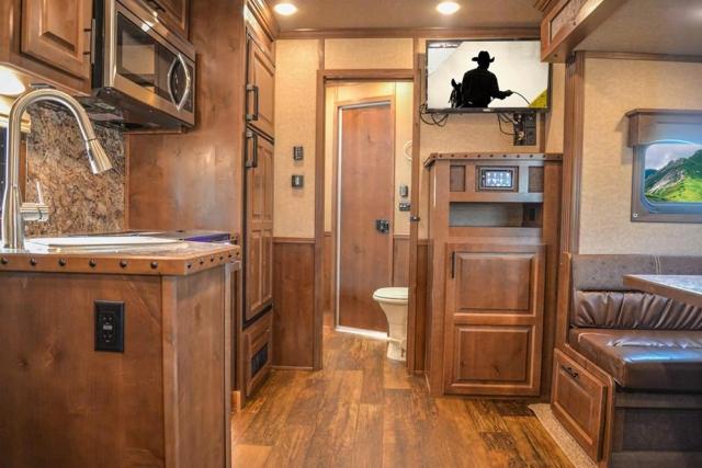 Living Quarters in a BH8X13SR Bighorn Edition Horse Trailer | Lakota Trailers