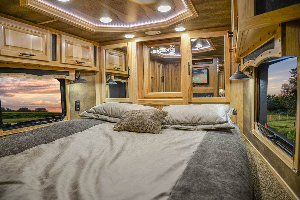 Bed in Gooseneck of BH8X192SI Bighorn Edition Horse Trailer   Lakota Trailers