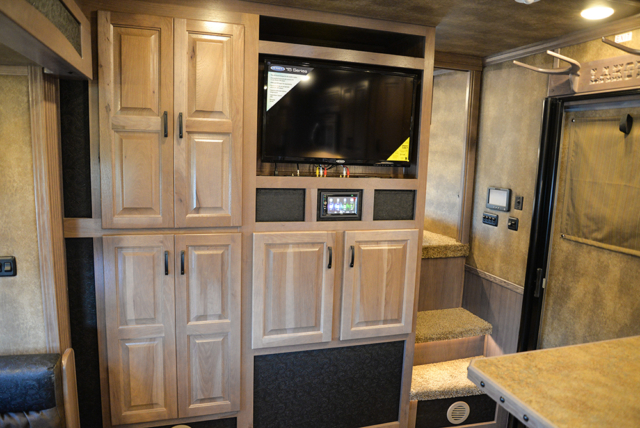 Front Entertainment In Bighorn Edition BH8X17 | Lakota Trailers