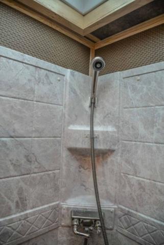 Shower in BH8X192S | Lakota Trailers