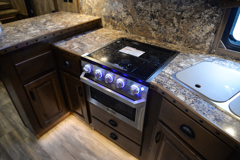 Oven In Bighorn Edition BH8X16SRB   Lakota Trailers