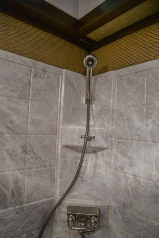 Shower in Bathroom in BH8X18CE | Lakota Trailers