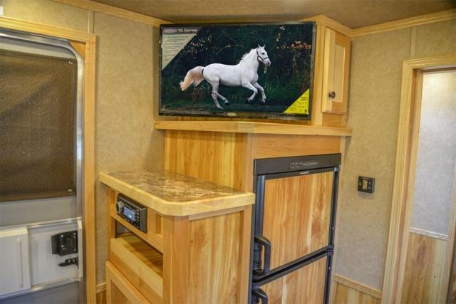 TV in LE8X11SR Charger Edition Livestock Trailer   Lakota Trailers