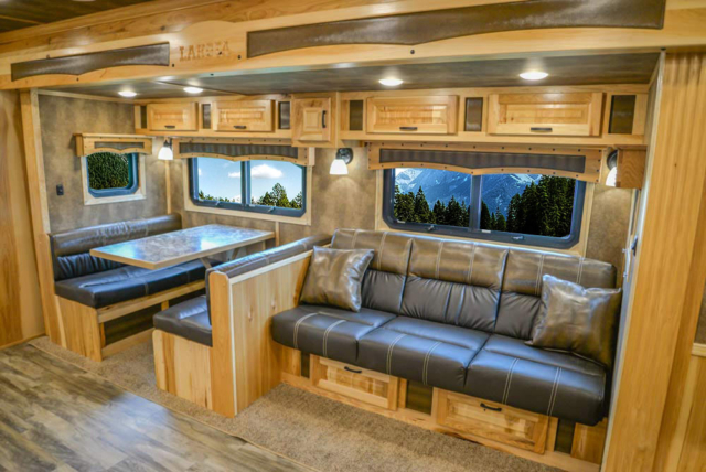 Slide-Out in BH8X192S Bighorn Edition Horse Trailer | Lakota Trailers