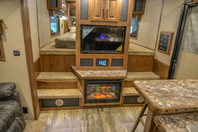 Entertainment Area in BH8X18CE | Lakota Trailers
