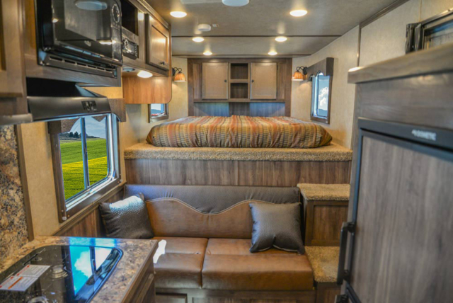Living Quarters in CX9SR Charger Edition Horse Trailer | Lakota Trailers