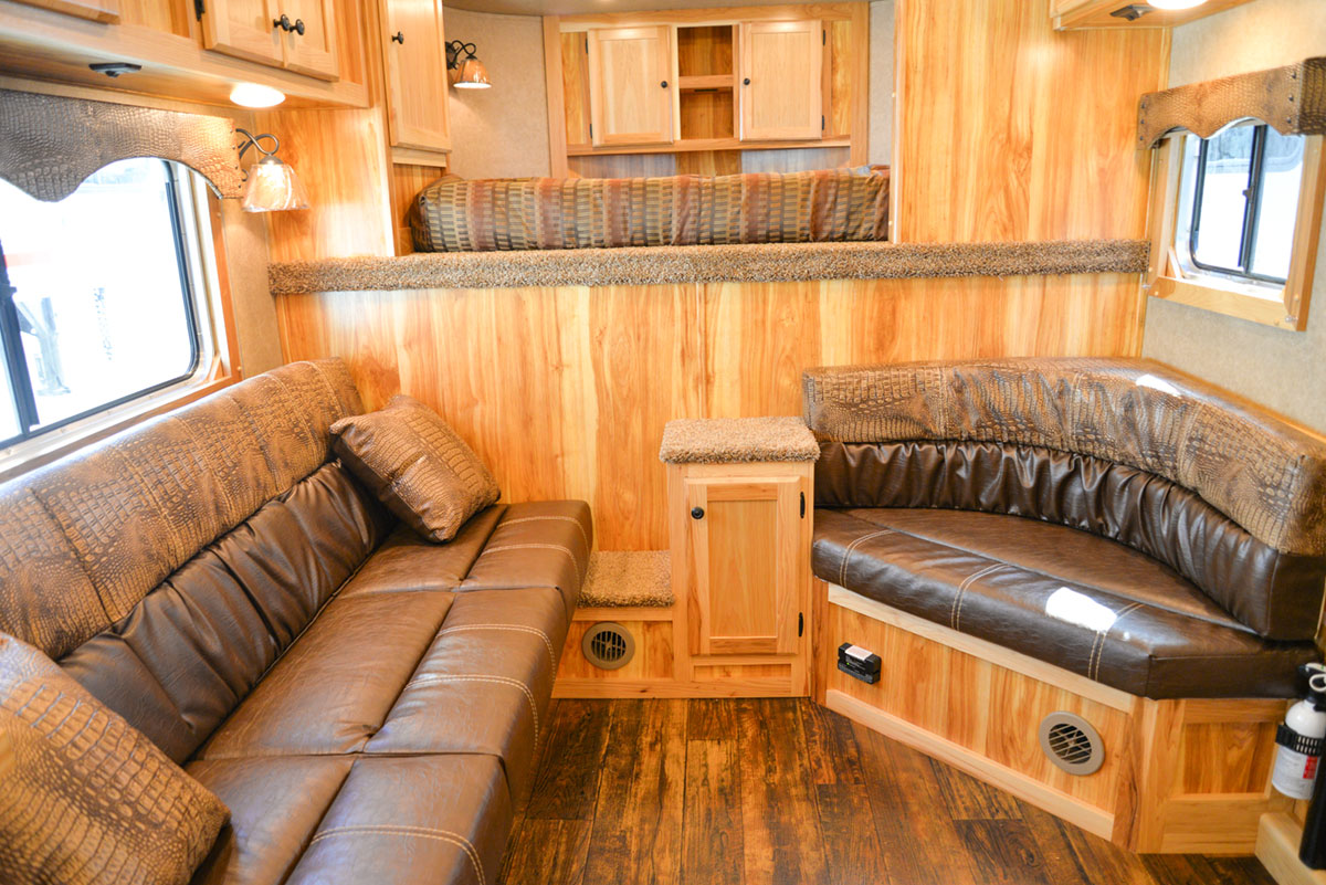 Living Quarters in a Charger C8X13.5 Horse Trailer | Lakota Trailers